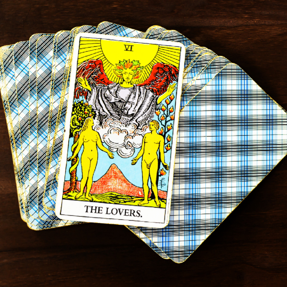 Enhance your Love Life with a Free Love Tarot Reading